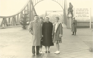 1960 - Tourists having their picture taken on the western side of Glienicker Bruecke, photo © J. Elke Ertle, 2014