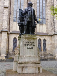 Statue of Johann Sebastian Bach in front of the St. Thomas Church in Leipzig Photo © J. Elke Ertle