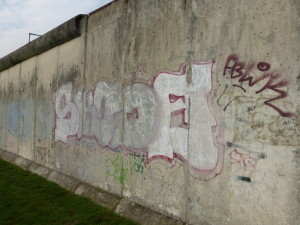 Typical stretch of the western Berlin Wall, Photo © J. Elke Ertle, 2014