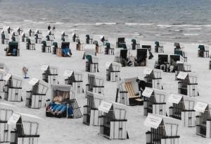 Strandkoerbe (wicker beach baskets) line the beaches of Usedom, photo © J. Elke Ertle, 2014