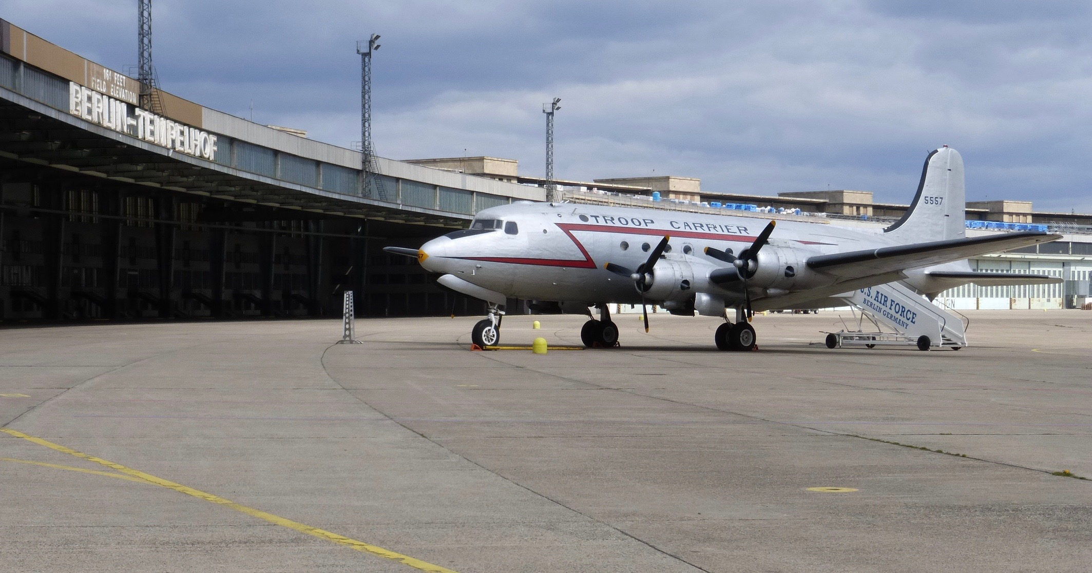 Pictures of the berlin airlift