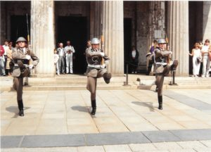 Change of the Soviet Honor Guard in front of Neue Wache - photo © J. Elke Ertle, 1990, www.walled-in-berlin.com