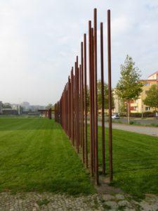 Steel poles alluding to the part of the Berlin Wall that no longer exists - Berlin Wall Memorial - photo © J. Elke Ertle, 2014, www.walled-in-berlin.com