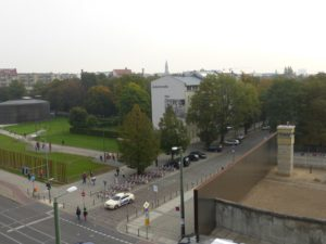 Berlin Wall Memorial site with the Chapel of Reconciliation to the upper left and the preserved border strip to the right, photo © J. Elke Ertle, 2014, www.walled-in-berlin.com