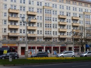 Typical apartment building along Karl-Marx-Allee. photo © J. Elke Ertle, 2015, www.walled-in-berlin.com