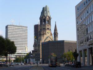 aiser Wilhelm Memorial Church, Berlin, Germany, photo © J. Elke Ertle, 2014. www.walled-in-berlin. com