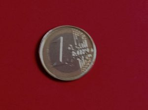 1 Euro coin, featuring the 12 stars of the EU, Photo © J. Elke Ertle, 2017. www.walled-in-berlin.com