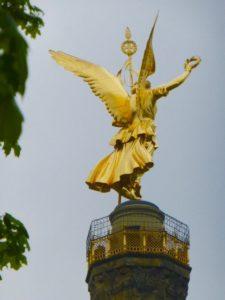"""The """"Goldelse"""" on top of the Siegessaeule. Photo © J. Elke Ertle. www.walled-in-berlin.com"""