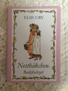 Volume 5 of the Nesthaekchen series by Else Ury - Nesthaekchen's Backfischzeit (Nesthaekchen's Teen Years) - Photo J. Elke Ertle, 2017, www.walled-in-berlin.com